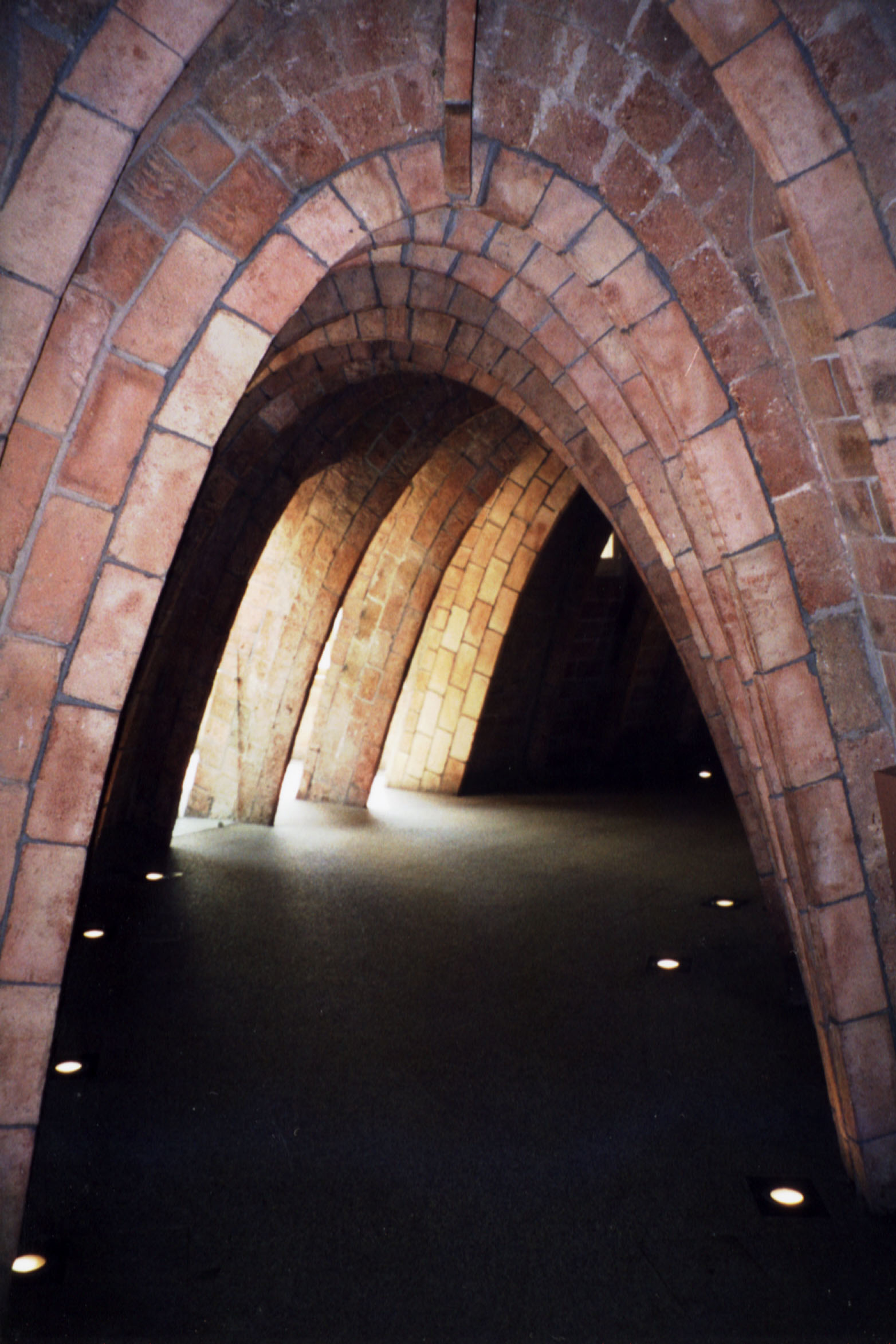 Catnary Curve derives the form of this arch that acts in compression