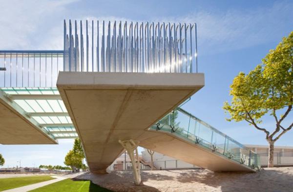 Cantilever Beam. Source [ www.styleofdesign ]